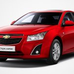 2013 Chevrolet Cruze facelift India front three quarter
