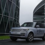 2013 Range Rover Hybrid front three quarter
