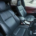2014 Toyota Harrier front seats