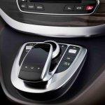 Mercedes V Class fingertip touchpad