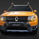 Renault Duster Detour front fascia