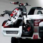 Suzuki Extrigger front
