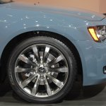 2014 Chrysler 300S alloy wheel
