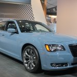 2014 Chrysler 300S front three quarter