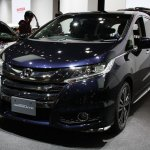 2014 Honda Odyssey Absolute front quarter