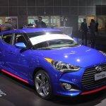 2014 Hyundai Veloster Turbo R-Spec front quarter