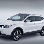 2014 Nissan Qashqai white front three quarters 2