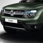 2014 Renault Duster Facelift grille 4