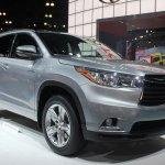 2014 Toyota Highlander Hybrid front three quarter