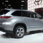 2014 Toyota Highlander Hybrid rear quarter
