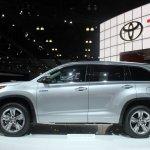 2014 Toyota Highlander Hybrid side