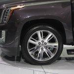 2015 Cadillac Escalade alloy wheel