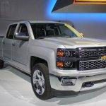 2015 Chevrolet Silverado front three quarters