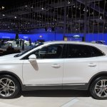 2015 Lincoln MKC side