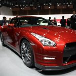 2015 Nissan GT-R front quarters