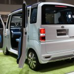 Daihatsu Deca Deca Concept rear three quarter