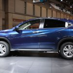 Honda Vezel side view