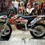 KTM Freeride 250 R side view