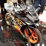 KTM RC200 front three quarters
