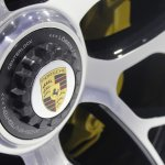 LA PORSCHE 911 TURBO S CABRIO WHEEL LOGO