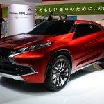 MITSUBISHI Concept XR-PHEV front three quarter