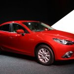 Mazda3 SKYACTIV-Hybrid front three quarters