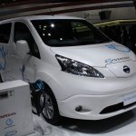 Nissan e-NV200 front three quarters left