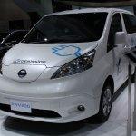 Nissan e-NV200 front three quarters right