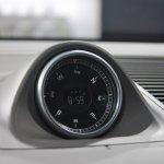 Porsche Macan compass