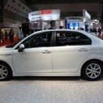 Toyota Corolla Axio Hybrid side