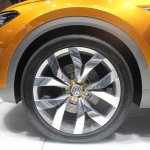 VW CrossBlue Coupe alloy wheel