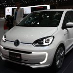 VW Twin Up! front three quarters at 2013 Tokyo Motor Show