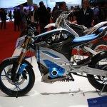 Yamaha PES1 side