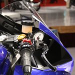 Yamaha R25 handle