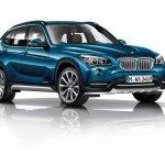 2015 BMW X1 front three quarters left 2 press shot