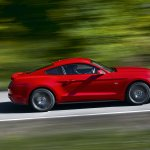 2015 Ford Mustang official side dynamic