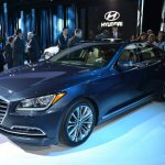 2014 Hyundai Genesis at 2014 NAIAS front three quarter