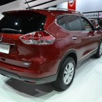 2014 Nissan Rogue rear three quarters right at NAIAS 2014