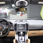 2014 Porsche Cayenne Platinum Edition dashboard at NAIAS 2014