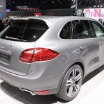 2014 Porsche Cayenne Platinum Edition rear three quarter at NAIAS 2014