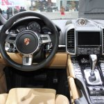 2014 Porsche Cayenne Platinum Edition steering at NAIAS 2014