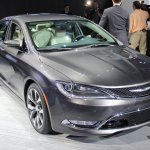 2015 Chrysler 200 front three quarters at NAIAS 2014