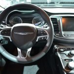 2015 Chrysler 200 instrument cluster zoom out at NAIAS 2014
