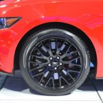 2015 Ford Mustang GT red wheel design at NAIAS 2014