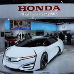 Honda FCEV Concept front three quarters left at NAIAS 2014
