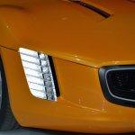 Kia GT4 Stinger concept at 2014 NAIAS headlight