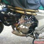 Redesigned Mahindra Mojo spied engine