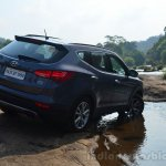 2013 Hyundai Santa Fe Review rear right quarter