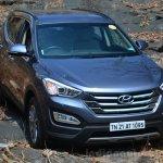 2013 Hyundai Santa Fe Review static front