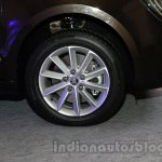 2014 Skoda Superb facelift launch images wheel